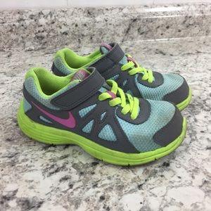 Girls Nike Revolution 2